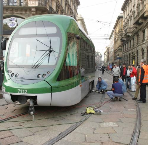 Cordusio, ancora un tram deragliato