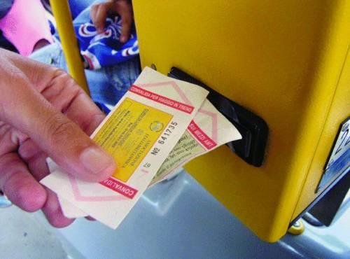 Trasporto pubblico: conti in rosso, utenti neri