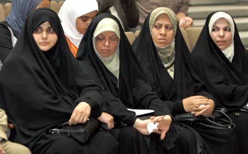 Al Sadr impone il velo alle donne cristiane irachene