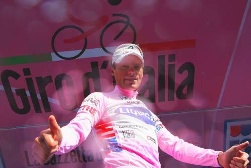 Giro d'Italia, Milano festeggia  Di Luca in maglia rosa