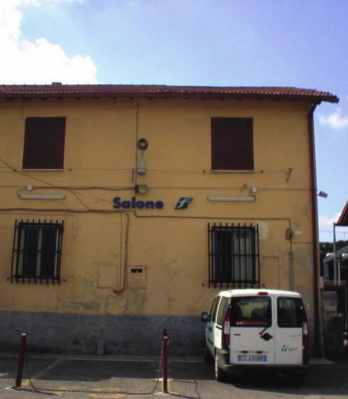 Due stazioni ferroviarie chiuse «per nomadi»