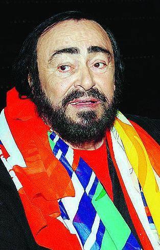 Si aggrava Luciano Pavarotti Terapia di supporto ininterrotta