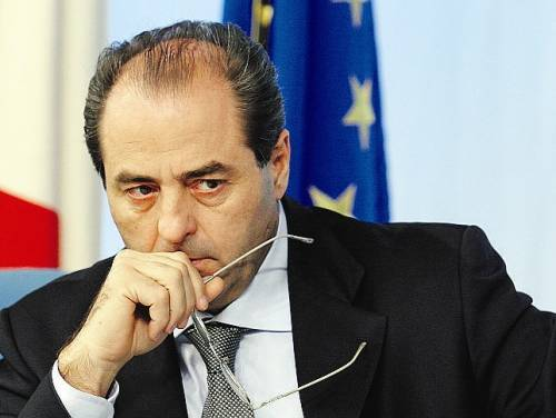 """Tagli alla politica, Di Pietro a Prodi: """"Decida se devo lasciare"""""""