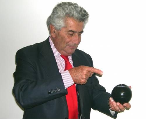 Quella magica palla blu che c'azzecca più di Sirianni