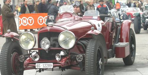 Cento auto d'epoca invaderanno Milano