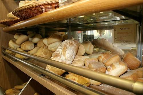 Il prezzo del pane sale alle stelle <br /> e Prodi cancella il bonus famiglia