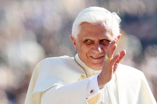 """Papa: """"La povertà offende la dignità dell'uomo"""""""