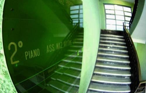 L'ascensore per i mutilati: l'idea c'è, i soldi no