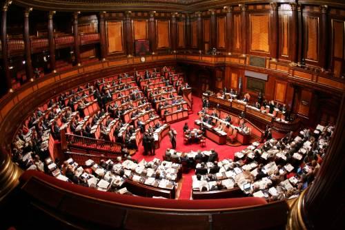 Premio di 1.800 euro al mese ai 40 senatori senza l'ufficio