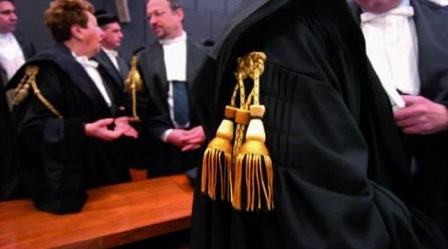 Una legge per difendere gli ordini professionali