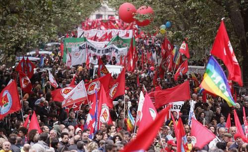 Welfare, sfila la Cosa rossa<br /> e i 700mila fanno tremare il Pd