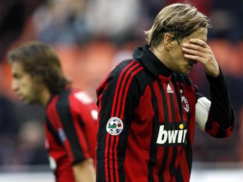 San Siro riempie il Milan di fischi. Ora per i rossoneri è proprio crisi
