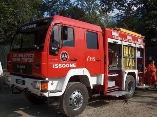 Cremona, vandali bruciano<br /> la scuola: evacuati in 400