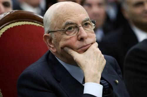 """Napolitano in campo: """"Sono preoccupato vigilerò sulle indagini"""""""
