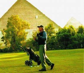 Golf & turismo sotto le piramidi