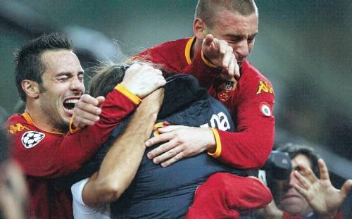 Esce Totti, entra Vucinic e la Roma vince la partita