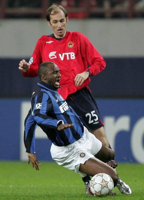 Inter zoppa senza Vieira. Ora va Ibra dietro le punte