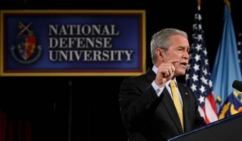 """Bush, nuove sanzioni contro l'Iran: """"Pasdaran terroristi"""""""