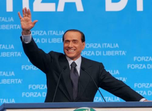 Berlusconi, segnale al Colle: 5 milioni di firme per il voto