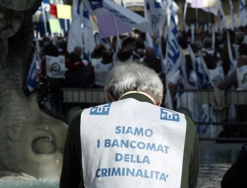 """Sicurezza, tabaccai in piazza: """"Abbandonati dallo Stato"""""""