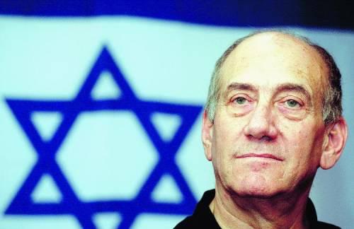 Israele, l'annuncio di Olmert: «Ho un tumore ma non lascio»