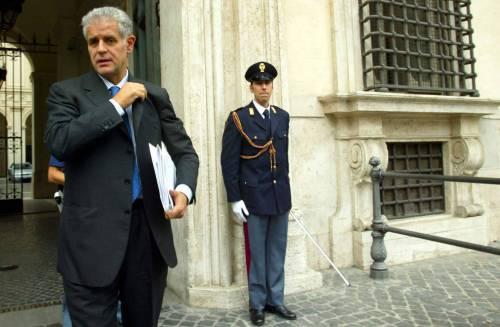 La Lega manda lo sfratto a Formigoni