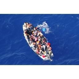 Naufragio nel Canale di Sicilia: morti 12 clandestini