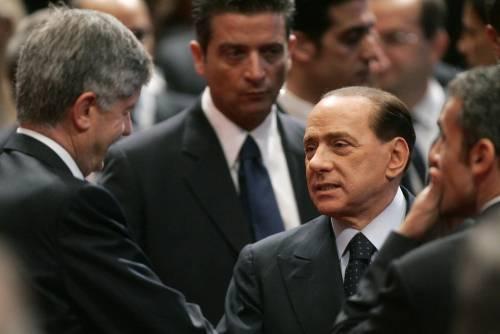 """Rifiuti, Berlusconi:  """"Entro luglio  finita l'emergenza"""""""