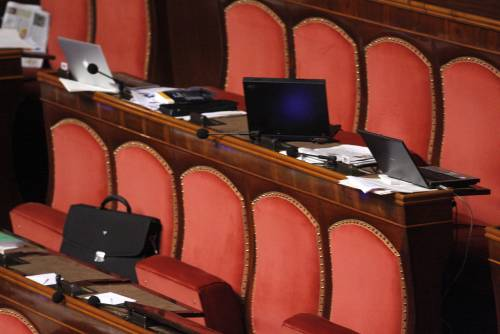 Senato, sì al blocca-processi. Pd sull'Aventino