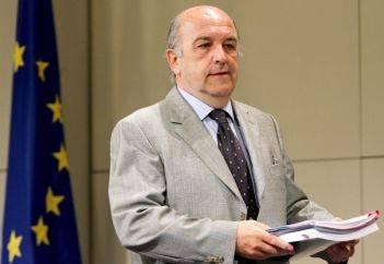 """Almunia all'Italia:   """"Tagli più incisivi   sulla spesa pubblica"""""""