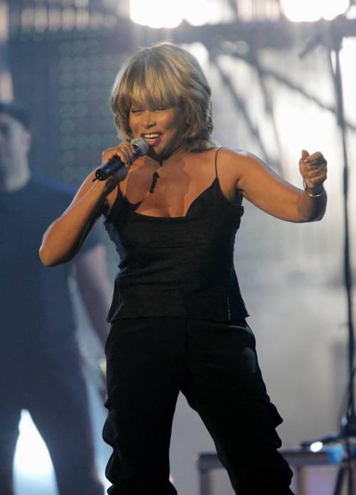 """La confessione choc di Tina Turner """"Stavo morendo, mi ha salvato…"""""""