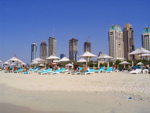 Sesso in spiaggia senza essere sposati:  in Dubai condannati due inglesi