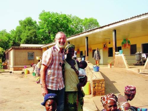 Il frate chirurgo che nel Benin  è venerato come un dio