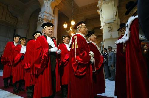 Giustizia, l'Ue condanna l'Italia: processi lunghi