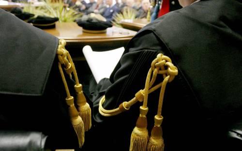 Cassazione: mai più toga  per il magistrato-lumaca