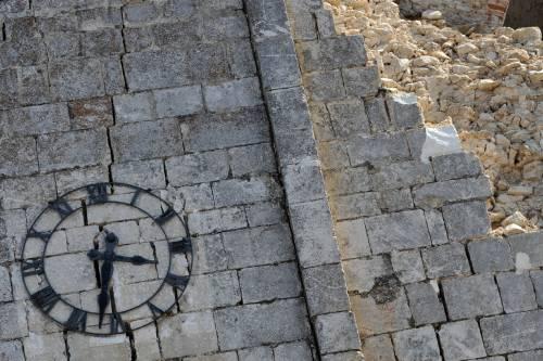 Terremoto, Milano si ferma 5 minuti  La Moratti: cordoglio e solidarietà
