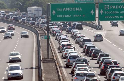 Traffico, esodo di Pasqua:  rallentamenti sulle autostrade