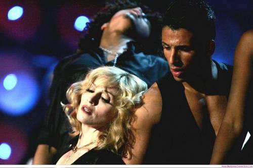 """Karim, il ballerino di Madonna  """"Ora mi stabilisco a Milano"""""""