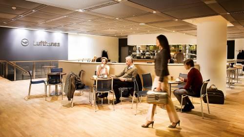 Lufthansa, relax in volo:  lounge di prima classe