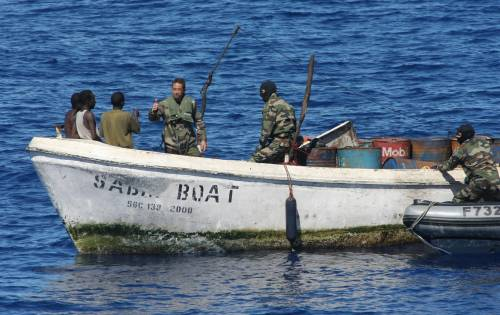 Golfo di Aden, catturati  19 pirati pronti all'assalto