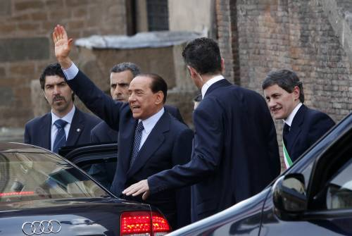 Berlusconi: divorzio fatto privato, consenso sale