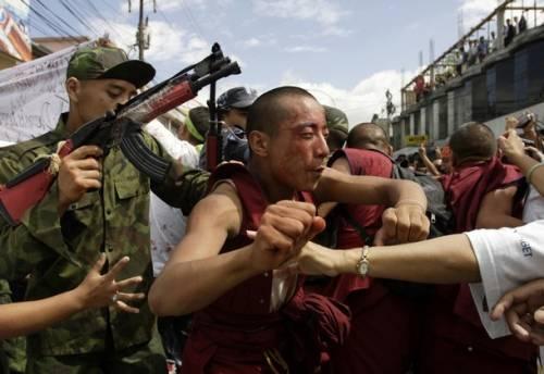 Violenze in Tibet, giudice spagnolo accusa la Cina e Pechino si giustifica