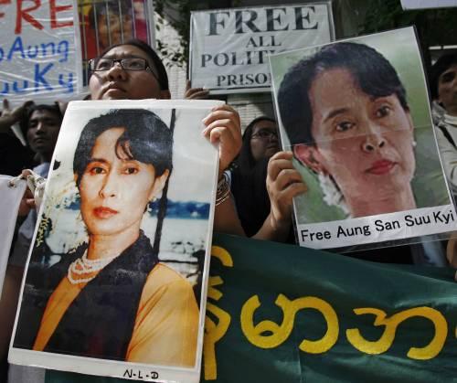 Birmania, il processo a San Suu Kyi