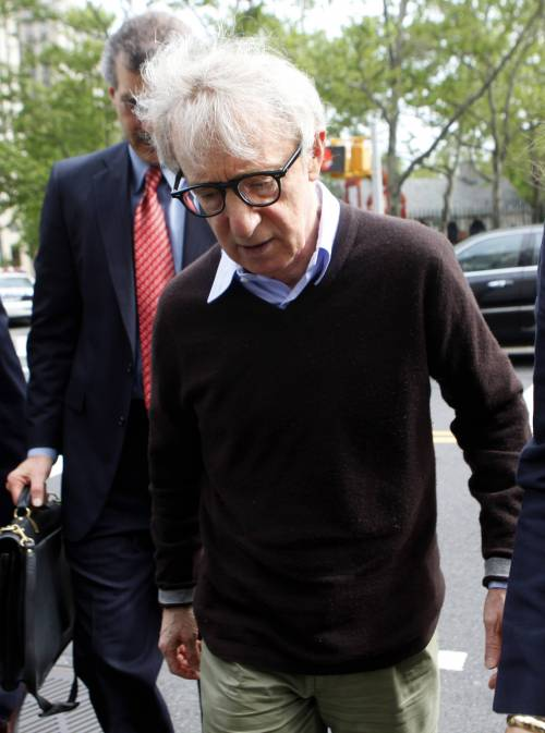 Foto non autorizzata di Woody Allen  Risarcimento da record: 5 milioni