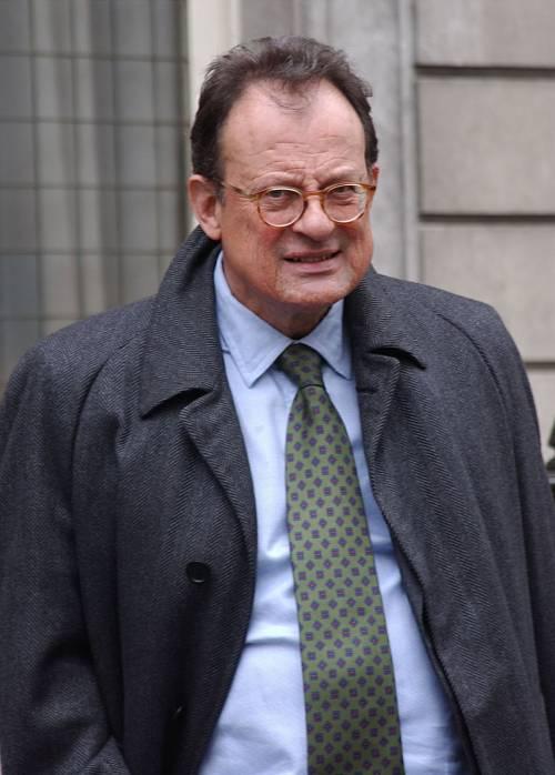 Il giudice condanna Mills per accusare Berlusconi