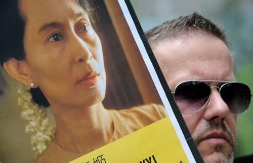 """San Suu Kyi, processo a porte chiuse  E l'intruso dice: """"Ho avuto una visione"""""""