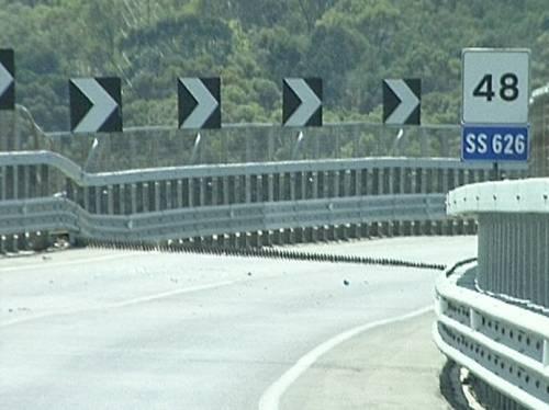 Sicilia, cede un pilone del viadotto