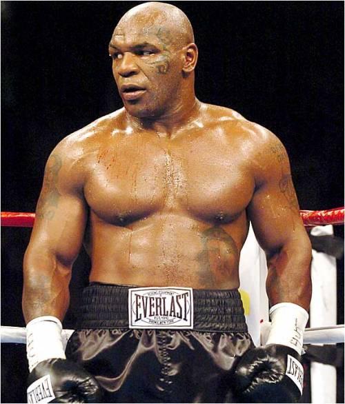 """Mike Tyson a ruota libera: """"Sesso e orge, ero davvero malato"""""""