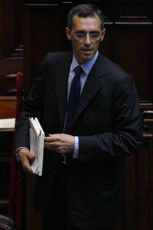 """Ghedini: """"L'Espresso diffama, quereliamo"""""""
