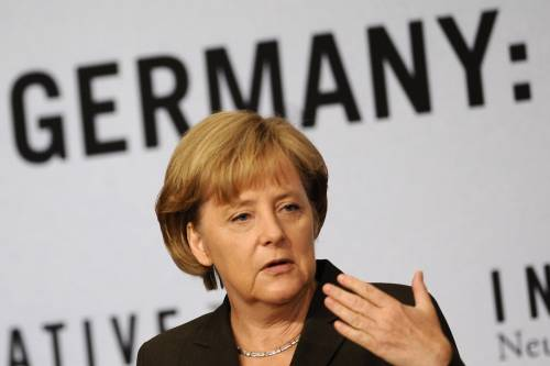Opel, Merkel: intesa con Magna non vincolante